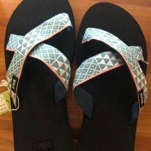 NWT Teva Sandals